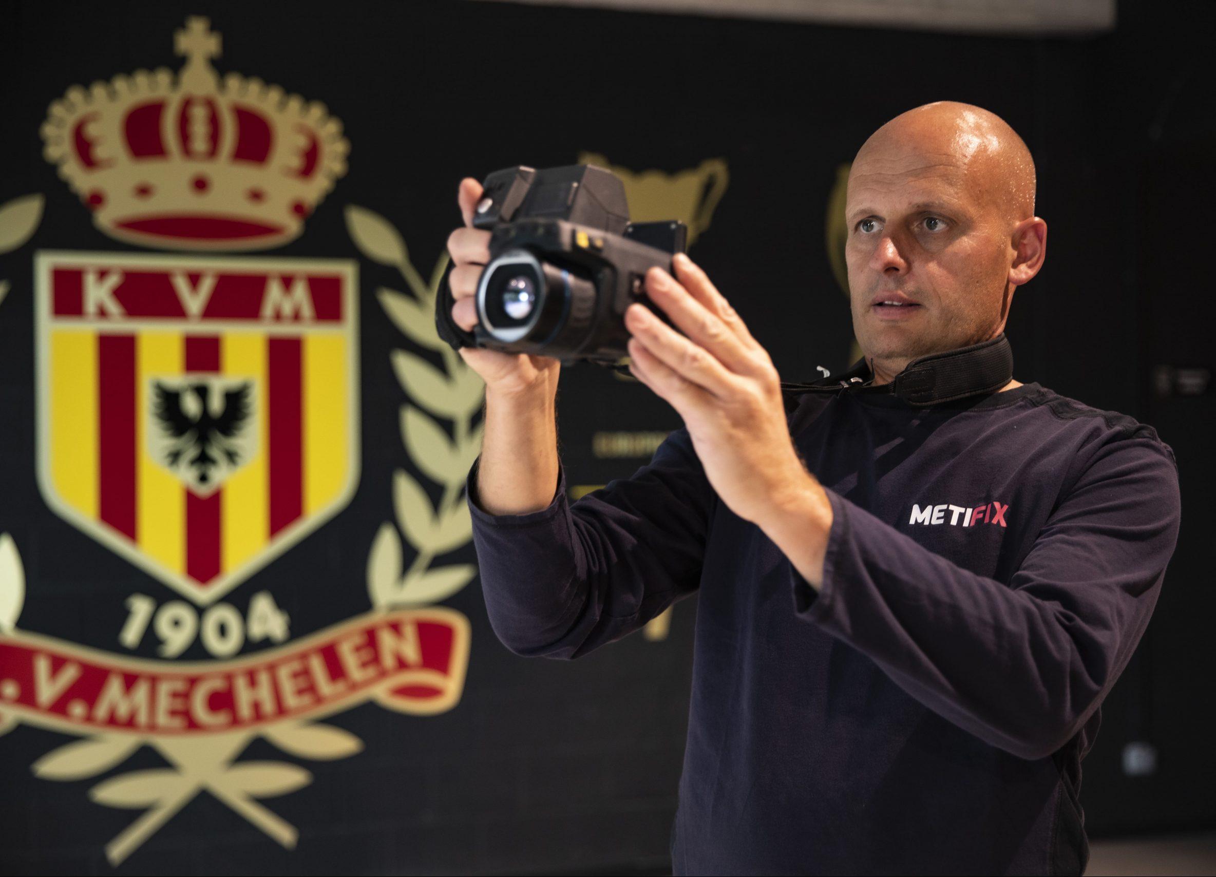 Blowerdoortest nieuwe tribunes KV Mechelen