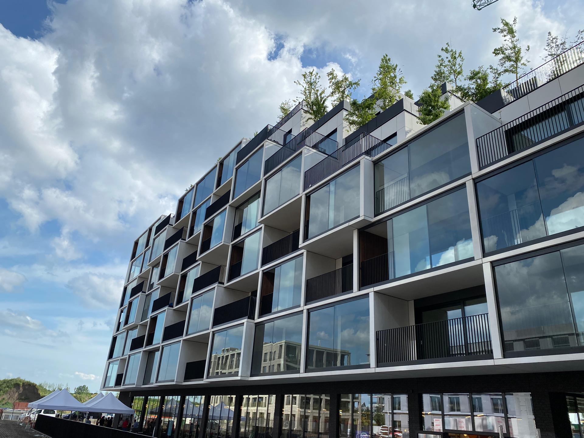 Simultane blowerdoortesten van 5 traphallen | Nieuw Zuid Antwerpen